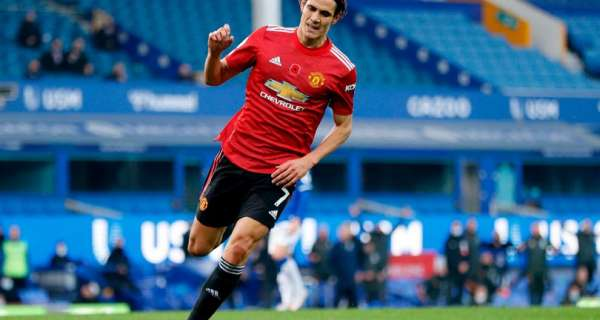 Manchester United can unleash new front three against West Brom
