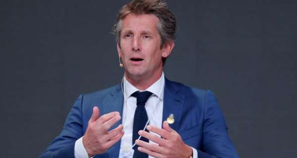 Man Utd to snub Edwin van der Sar in favour of 'preferred Director of Football target'